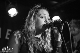 Lauran_Hibberd_Jealous_Of_The_Birds_The_Sunflower_Lounge_Birmingham_12111800007