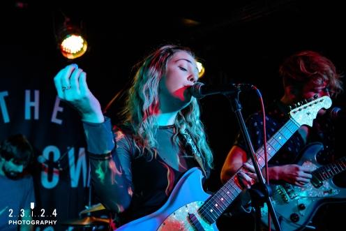 Lauran_Hibberd_Jealous_Of_The_Birds_The_Sunflower_Lounge_Birmingham_12111800016