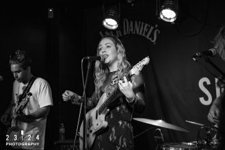 Lauran_Hibberd_Jealous_Of_The_Birds_The_Sunflower_Lounge_Birmingham_12111800022