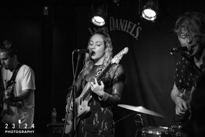 Lauran_Hibberd_Jealous_Of_The_Birds_The_Sunflower_Lounge_Birmingham_12111800024