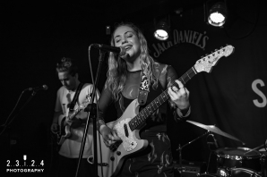 Lauran_Hibberd_Jealous_Of_The_Birds_The_Sunflower_Lounge_Birmingham_12111800033