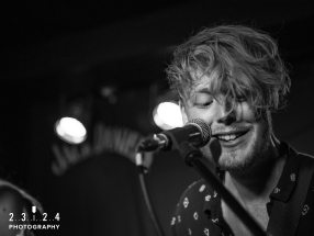 Lauran_Hibberd_Jealous_Of_The_Birds_The_Sunflower_Lounge_Birmingham_12111800035