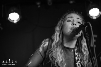 Lauran_Hibberd_Jealous_Of_The_Birds_The_Sunflower_Lounge_Birmingham_12111800039