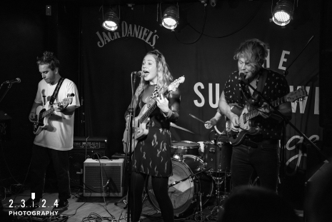 Lauran_Hibberd_Jealous_Of_The_Birds_The_Sunflower_Lounge_Birmingham_12111800049