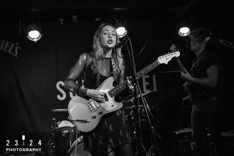 Lauran_Hibberd_Jealous_Of_The_Birds_The_Sunflower_Lounge_Birmingham_12111800054