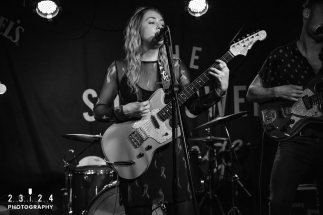 Lauran_Hibberd_Jealous_Of_The_Birds_The_Sunflower_Lounge_Birmingham_12111800059