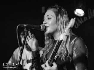 Lauran_Hibberd_Jealous_Of_The_Birds_The_Sunflower_Lounge_Birmingham_12111800068