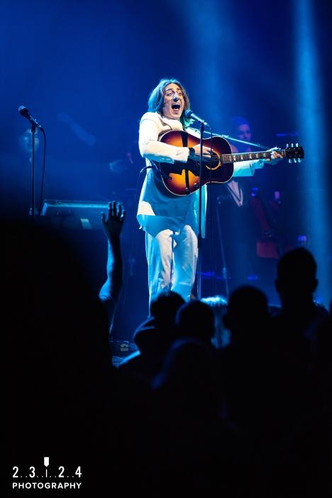 The_Bootleg_Beatles_Birmingham_Symphony_Hall_Revolution_1112180000700043