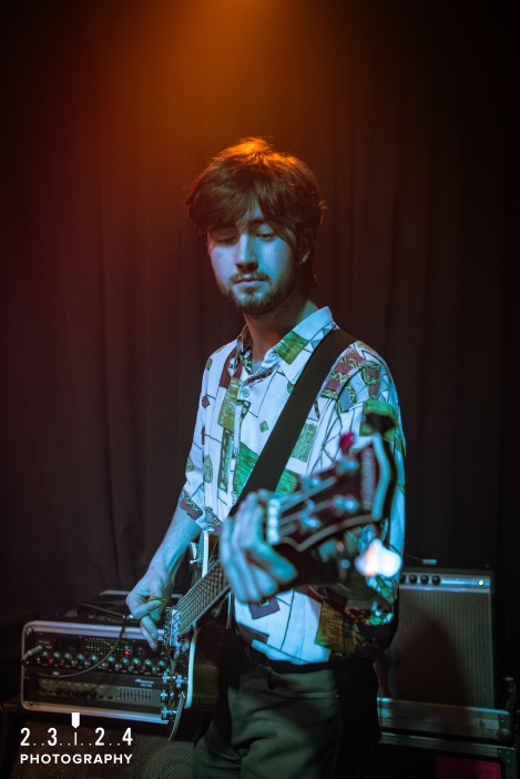 Neon_Waltz_Hare_And_Hounds_Birmingham00010